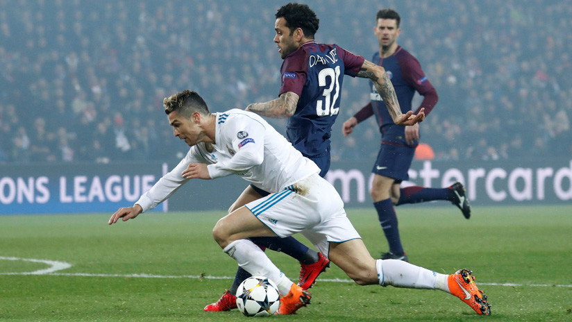 Mocos, manotazos y patadas: Intenso duelo entre Cristiano Ronaldo y Dani Alves (VIDEOS)