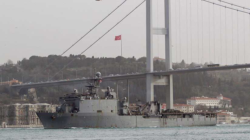 Un buque militar de EE.UU. con infantes de Marina entra en el mar Negro