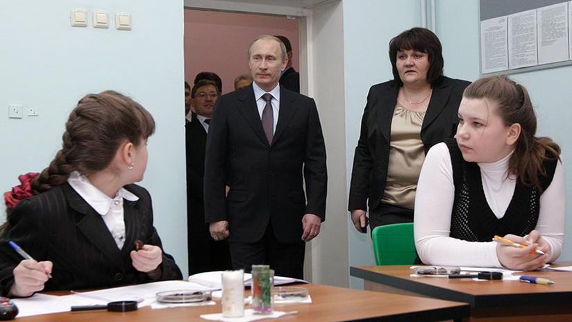 Un medio británico usa un ensayo de secundaria para 'develar' un complot de espías contra Putin