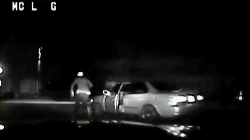 VIDEO: Un conductor ebrio se 'autoatropella' mientras escapa de la Policía