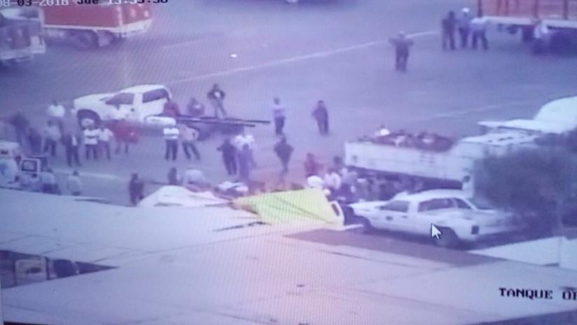 FOTOS: Helicóptero se desploma sobre una empresa de gas en México