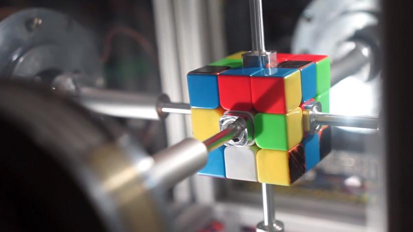 VIDEOS: Robot resuelve en 0,38 segundos el cubo de Rubik
