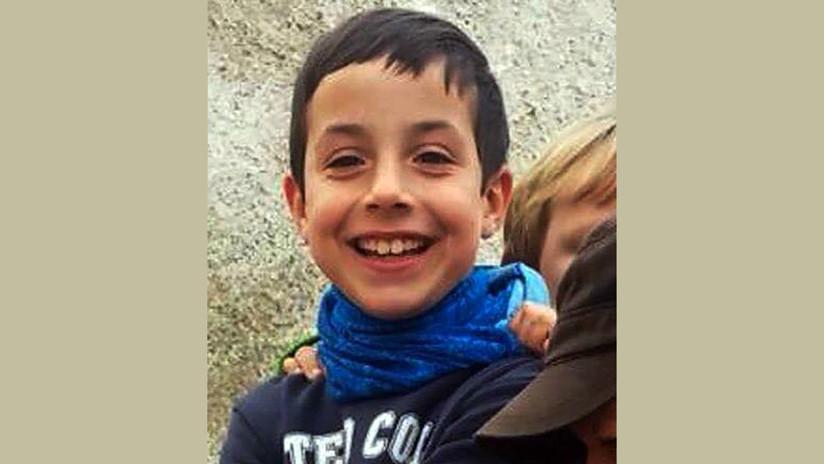 España consternada por macabro hallazgo: Madrastra llevaba cadáver de niño desaparecido