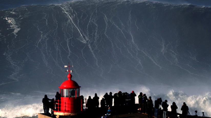 """Alerta en Portugal por una """"situación climatológica excepcional"""" con olas de hasta 15 metros"""