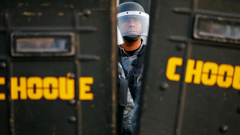 VIDEOS: Decenas de heridos por avalancha en la tribuna durante pelea en partido de fútbol en Brasil