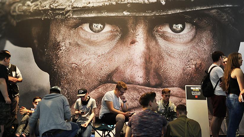Trump explica el peligro de los videojuegos con escenas de una matanza virtual en un aeropuerto ruso