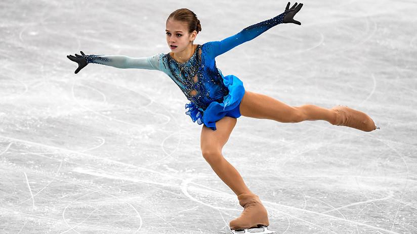 VIDEO: Una rusa de 13 años hace historia en el patinaje femenino con dos saltos cuádruples