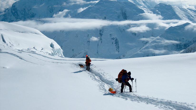 EE.UU.: Alpinistas tendrán que llevarse sus propias heces en vez de dejarlas en la montaña