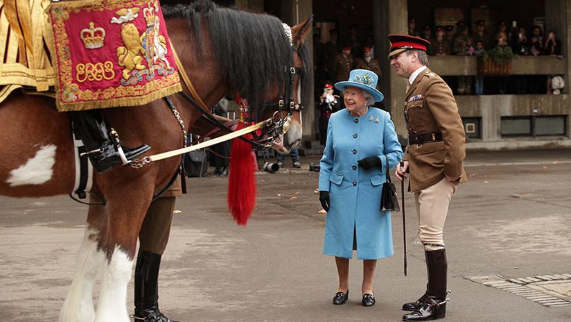 La reina Isabel II ha ganado más de 9 millones de dólares en el 'deporte de los reyes'