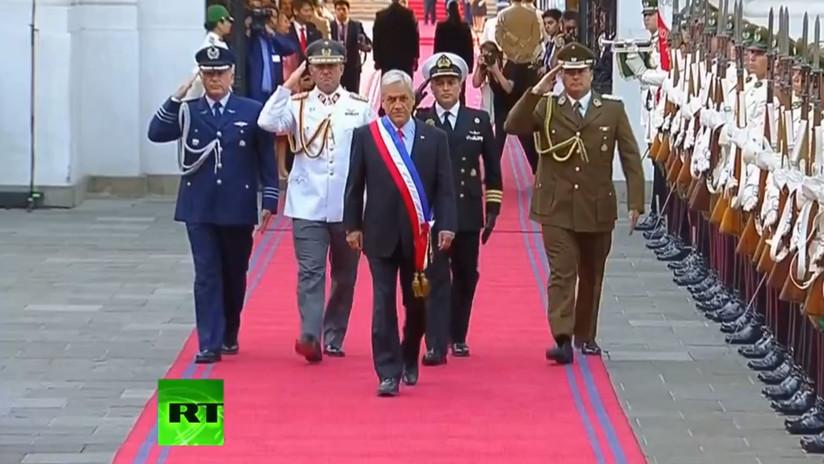 VIDEO: El presidente de Chile, Sebastián Piñera, llega al Palacio de La Moneda
