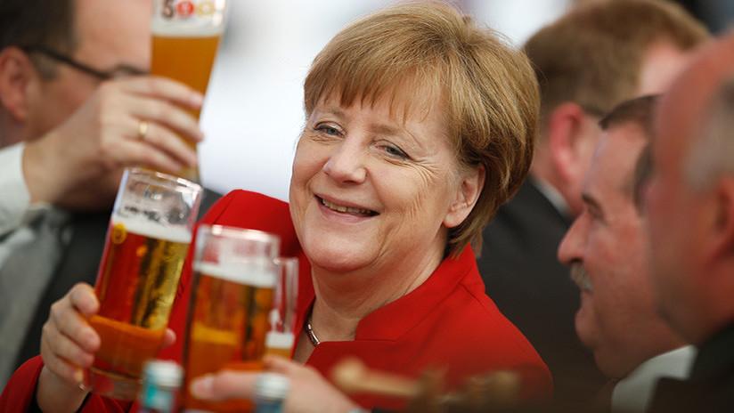 Putin cuenta que Merkel le regala cerveza de vez en cuando