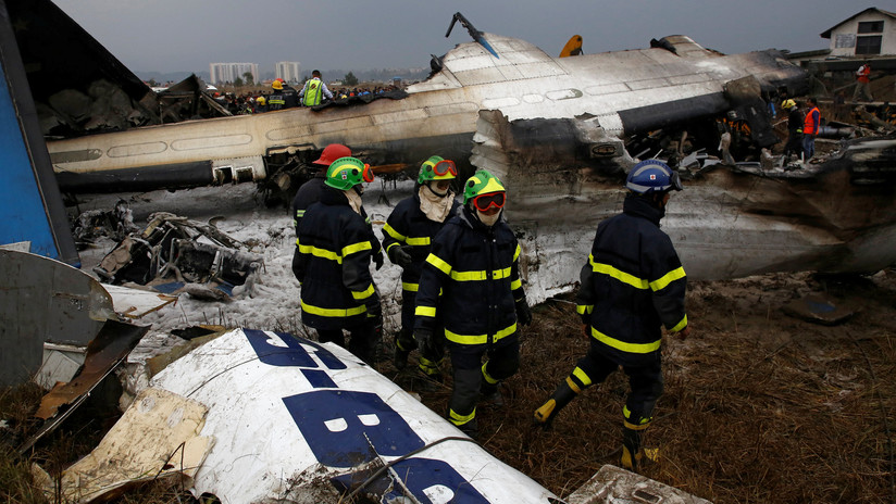 Asciende a 49 el número de muertos por el siniestro aéreo en Nepal