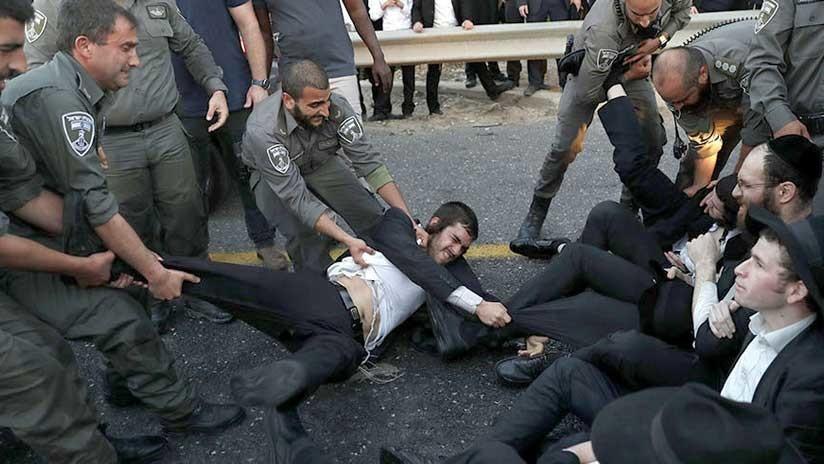 """""""Preferiríamos morir antes que enlistarnos"""": Violenta protesta de judíos ultraortodoxos (VIDEO)"""