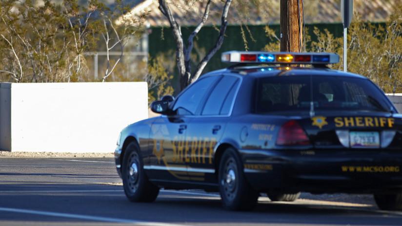Un conductor mata a tres personas y hiere a una al embestir a transeúntes con su auto en Arizona