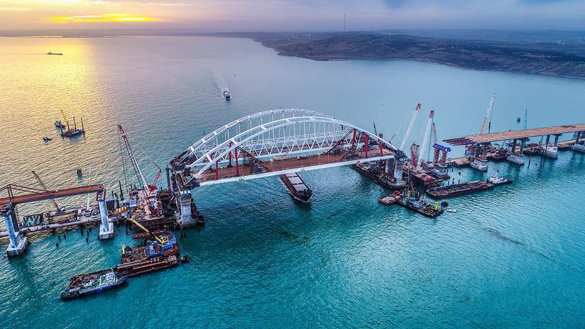 """El puente """"único"""" entre Crimea y el resto de Rusia se inaugurará antes de lo planeado (VIDEO, FOTOS)"""