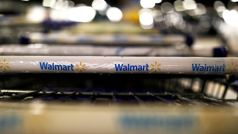 VIDEO: Decenas de adolescentes saquean y causan estragos en un Walmart en Chicago