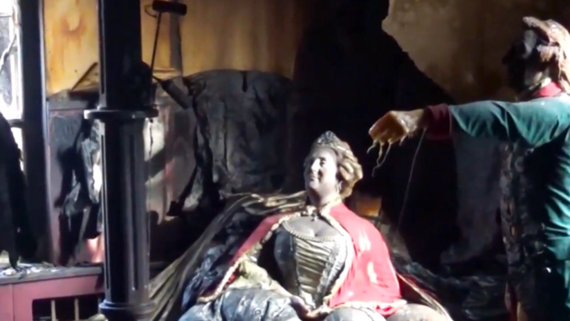 """""""Como monstruo salido de la tumba"""": Incendio convierte un museo de cera en filme de terror (VIDEO)"""