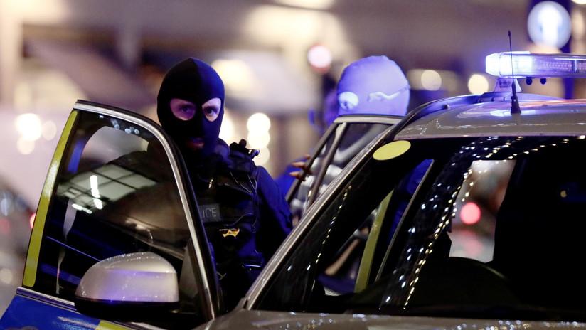 VIDEO: Un británico descontento estrella su coche contra una discoteca y hiere a 13 personas
