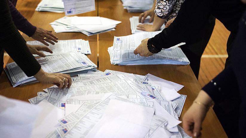 Cierran los colegios electorales al término de las elecciones presidenciales en Rusia