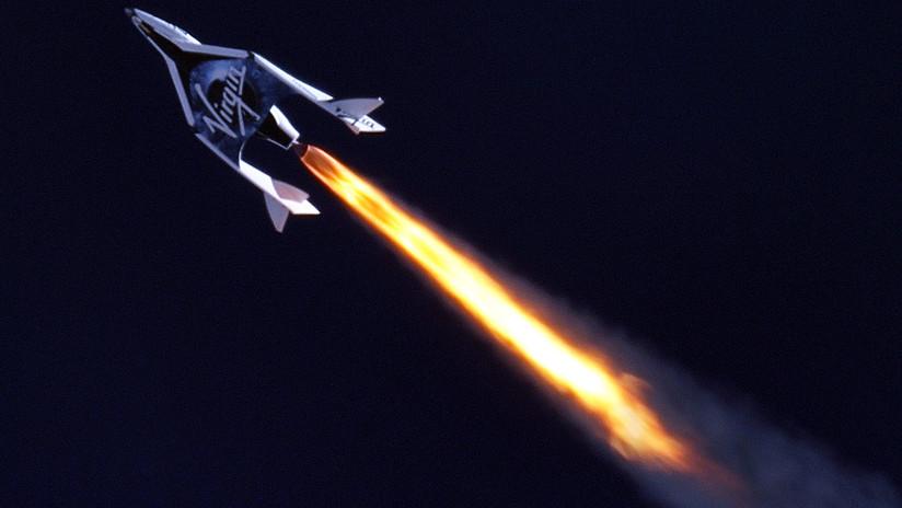 Así homenajeará Richard Branson a Stephen Hawking en el primer vuelo espacial de Virgin Galactic