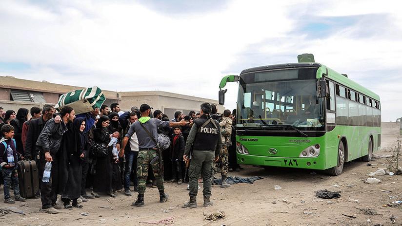 La población civil sale de Guta Oriental — EN VIVO