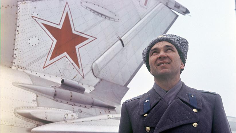 Muere a los 91 años el piloto que sobrevivió a dos muertes clínicas en las pruebas del caza MiG-21