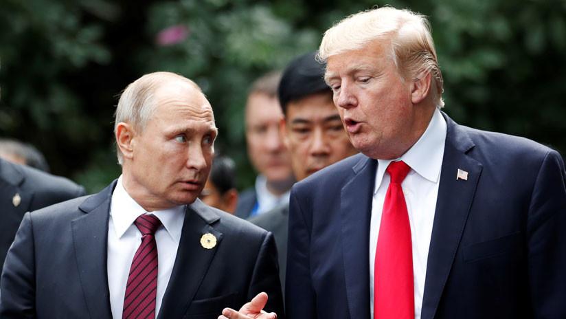 Donald Trump conversa por teléfono con Vladímir Putin