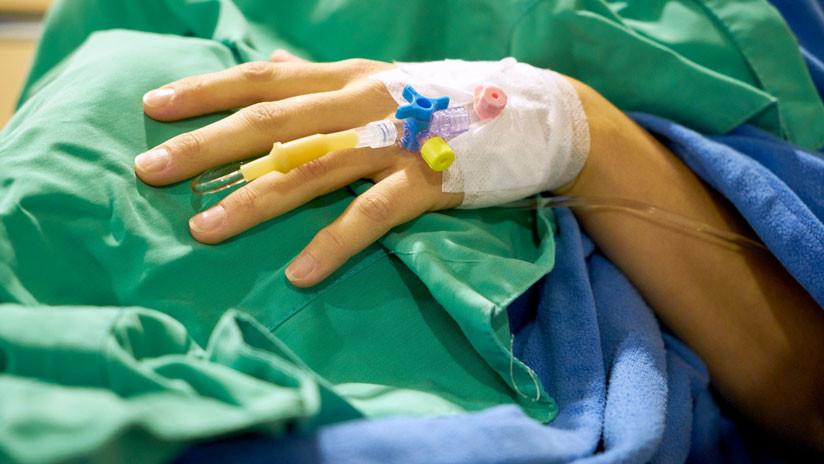 Un hombre despierta del coma dos días de ser desconectado de la máquina de soporte vital