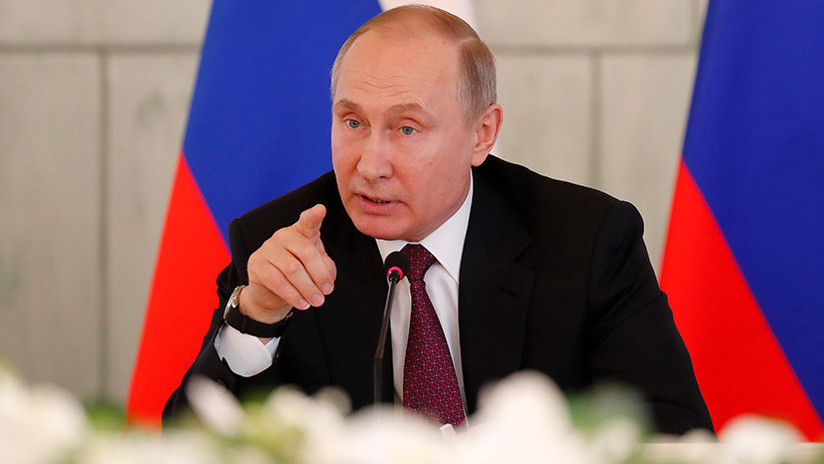"""Una web para escolares británica pregunta si """"Putin es el líder más peligroso desde Hitler"""""""