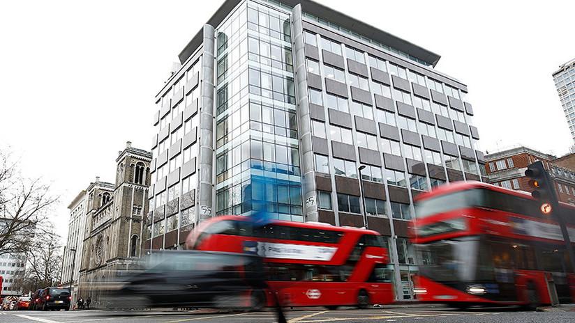 """Acordonan las oficinas de Cambridge Analytica en Londres por un """"paquete sospechoso"""""""