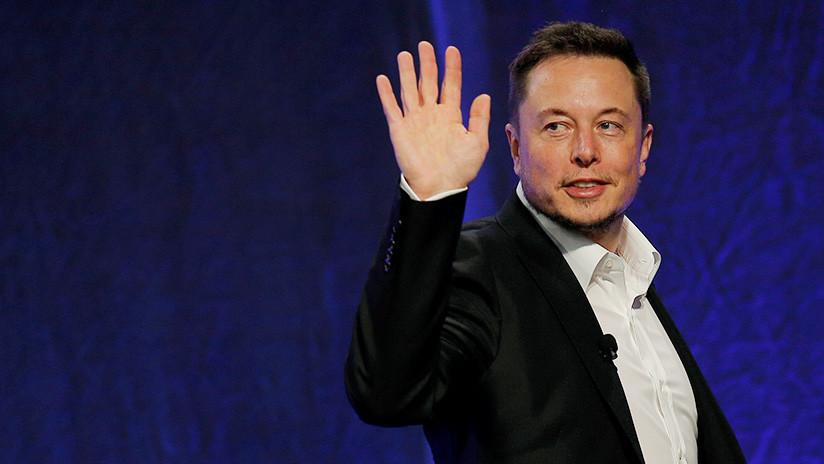 Elon Musk elimina las páginas de Tesla y SpaceX en Facebook en respuesta a un desafío de Twitter