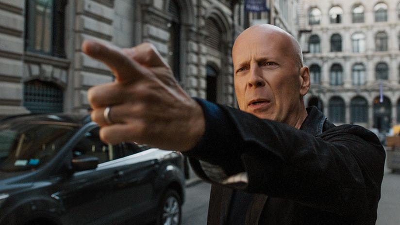 VIDEO, FOTOS: ¿Bruce Willis en Chile? El furor se desata en un centro comercial de Santiago