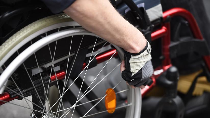 México: Dos mujeres insultan a un joven en silla de ruedas por ocupar espacio en el transporte