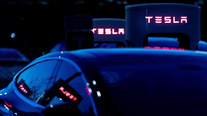 FOTOS, VIDEOS: Un accidente con un Tesla provoca la muerte de su conductor