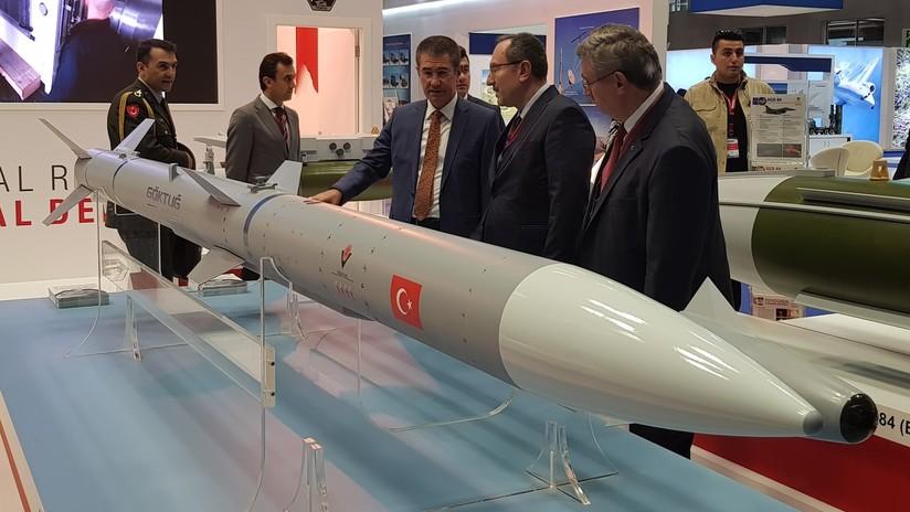 Turquía prueba los primeros misiles balísticos de fabricación nacional