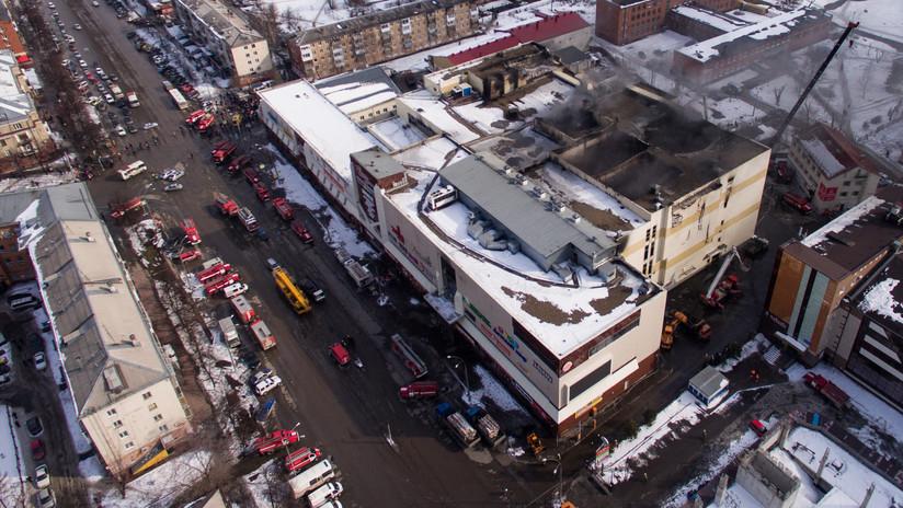 FOTOS: Así quedó el interior del centro comercial ruso donde 64 personas murieron en un incendio