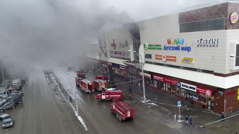 Las salidas de emergencia del centro comercial ruso incendiado estaban bloqueadas