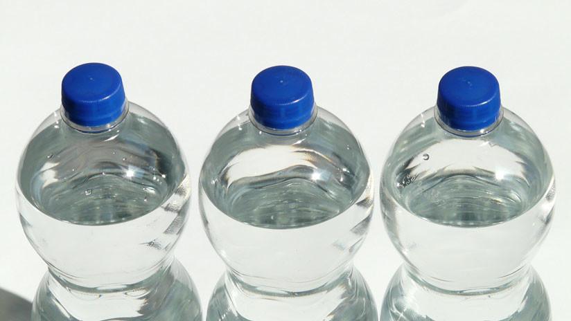 Los aeropuertos españoles deberán vender botellas de agua al precio máximo de un euro