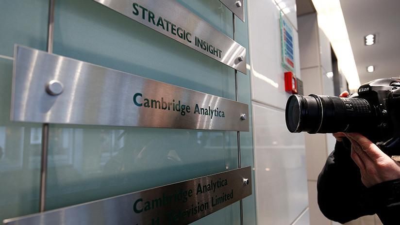 Acusan formalmente a Cambridge Analytica de violar las leyes electorales de EE.UU.