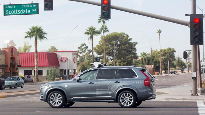 Arizona suspende las pruebas de coches autónomos de Uber tras el accidente mortal