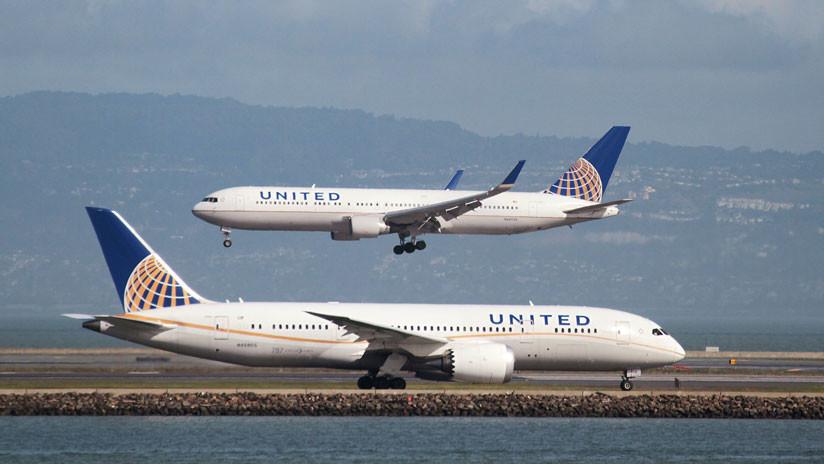 Un avión de United Airlines declara una emergencia y regresa a Pekín