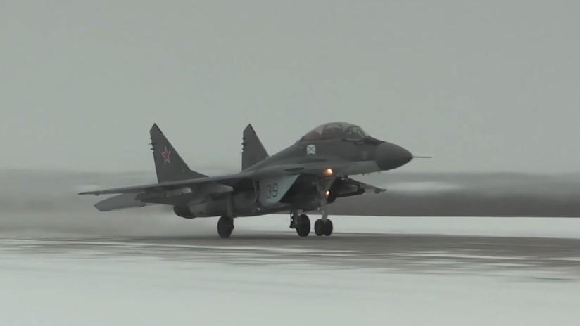 VIDEO: La aviación naval rusa se entrena en las inhóspitas condiciones del Ártico
