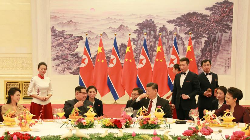 """""""Codo con codo"""": Pekín propone a Pionyang cuatro vías para desarrollar las relaciones bilaterales"""