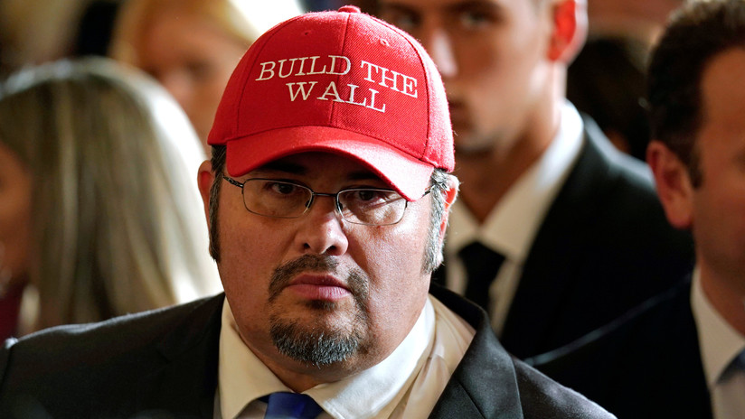 Republicanos de EE.UU. expulsan a uno de sus líderes por intolerancia religiosa
