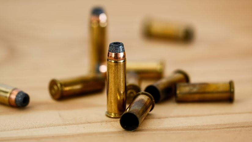 Pide dinero para hacerse un tatuaje, pero compra un arma para perpetrar una masacre en su escuela