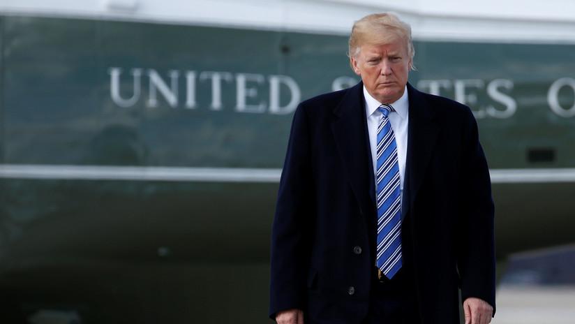 Un juez federal permite mantener la demanda contra Trump por supuesta violación de la Constitución
