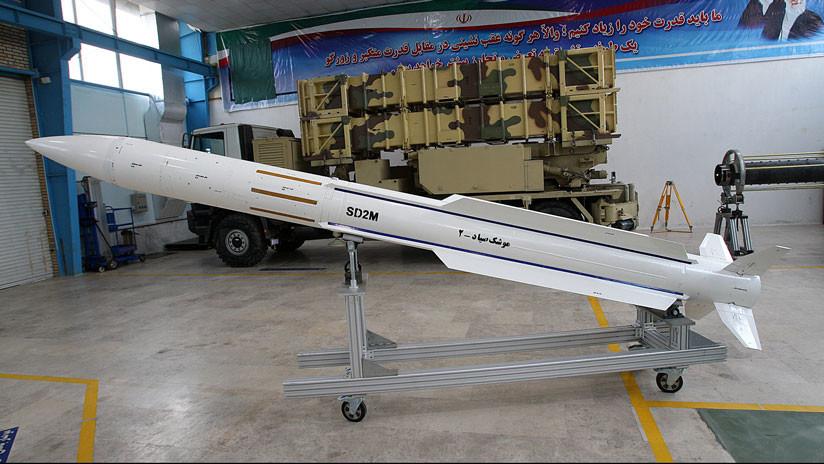 VIDEO: Rebeldes hutíes disparan misiles contra dos cazas F-16 sobre Yemen