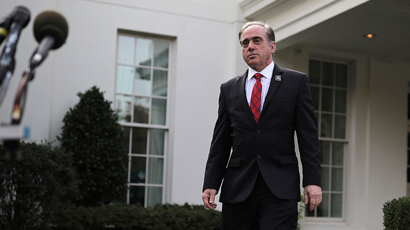 Trump destituye al secretario para Asuntos de Veteranos de EE.UU.