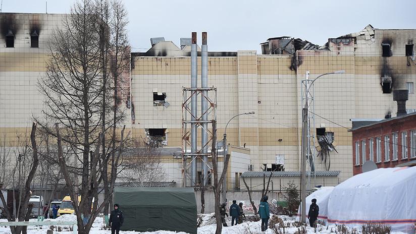 Dictan orden de arresto para bromista ucraniano que difundió un número falso de víctimas en Kémerovo