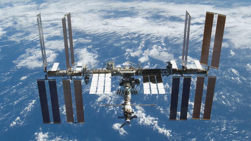 VIDEO: Dos astronautas de la NASA realizan una caminata espacial
